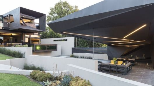 001-kloof-road-house-nico-van-der-meulen-architects-1050x591