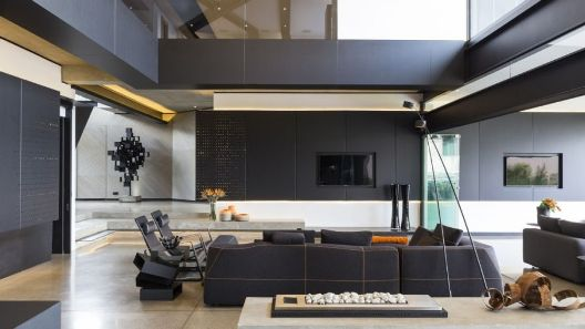 010-kloof-road-house-nico-van-der-meulen-architects-1050x591